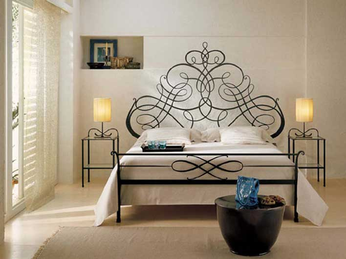 تخت خواب فرفورژه فلزی با ایده های انتزاعی