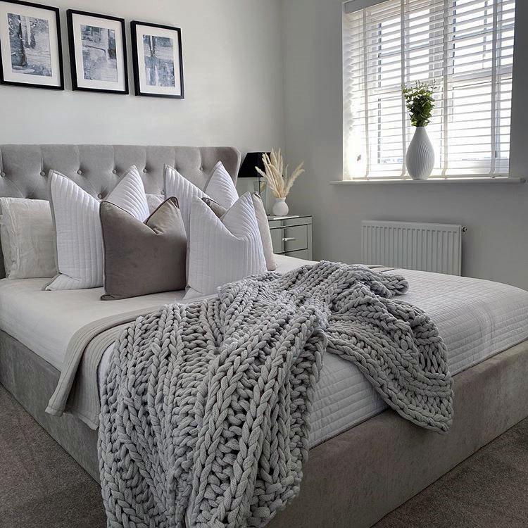 تخت خواب  پارچه ای لمسه دار