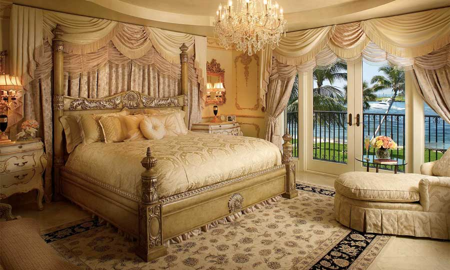 اتاق خواب سلطنتی با تخت خواب منبت کاری شده